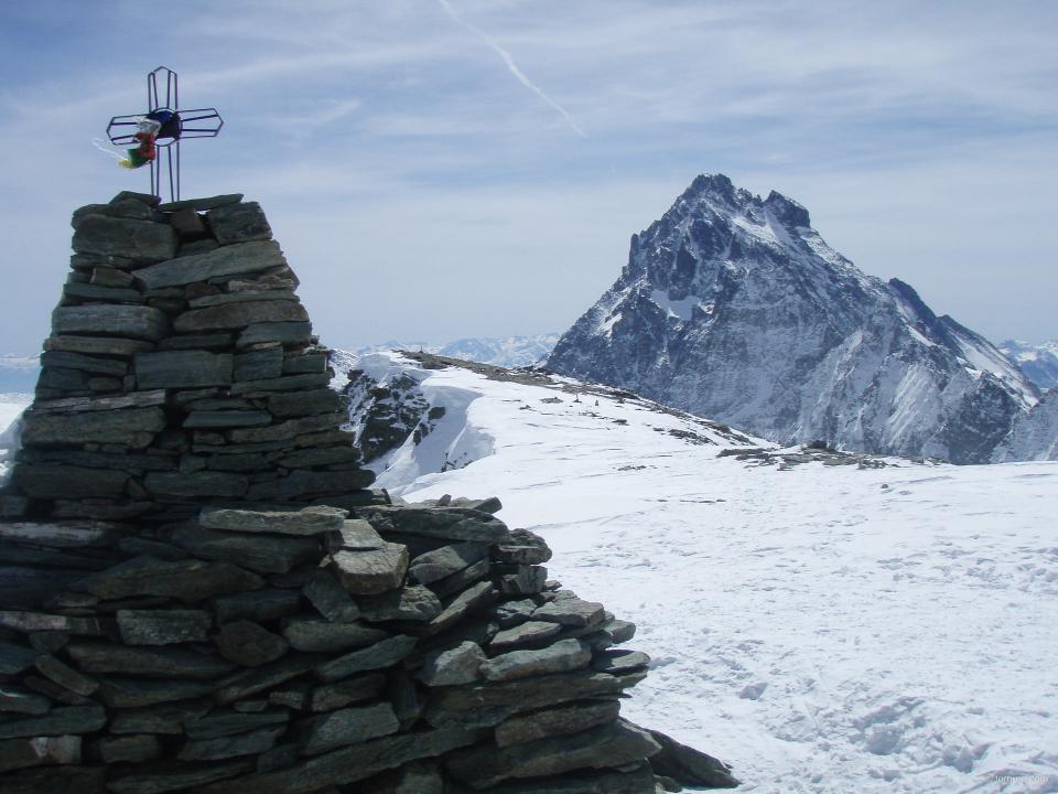 vue sur le Mont Viso depuis le sommet du Monte Meidassa