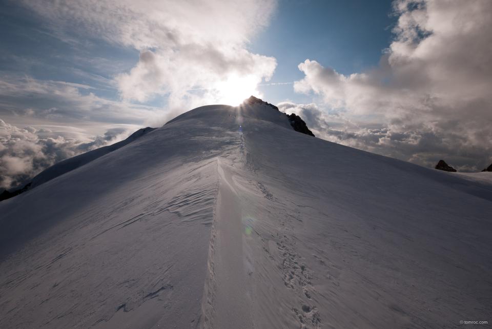 Le sommet du Mont Blanc du Tacul au bout.