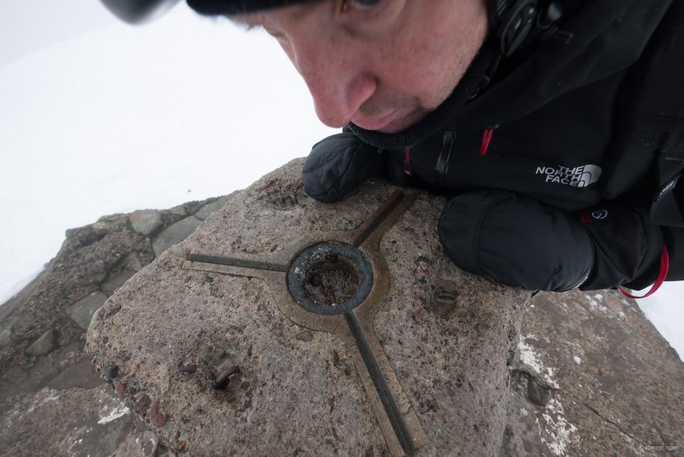 Julien découvre le sommet du Ben.