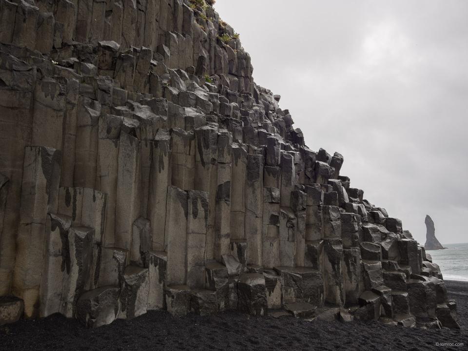Orgues basaltiques sur la plage de Vik