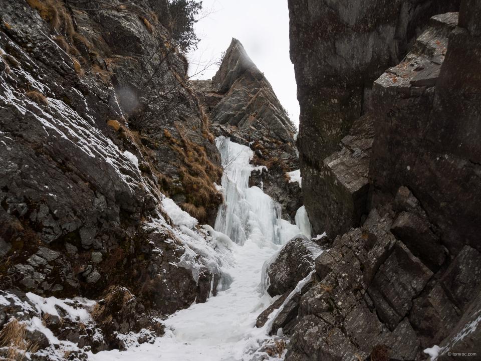 Avant-dernière longueur de Lillaz gully, Cogne