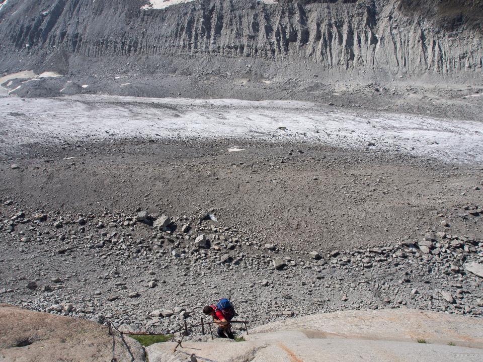 Redescente sur le glacier