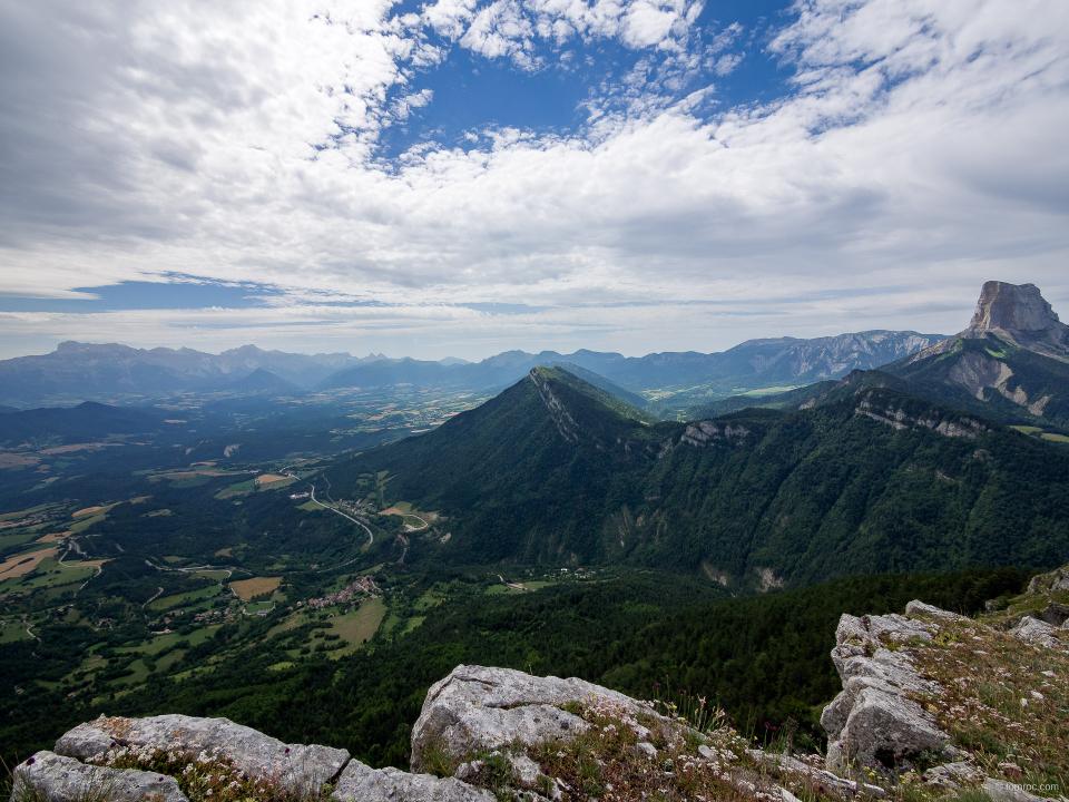 La sangle du Baconnet avec vue sur le Mont Aiguille