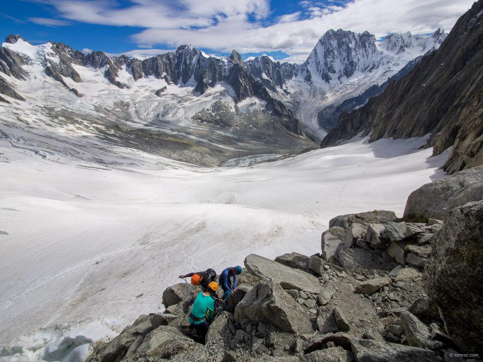 Attaque de la descente en rappel vers le glacier