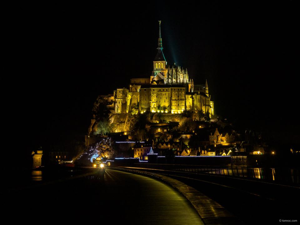 Le Mont Saint Michel, plus beau de nuit ?