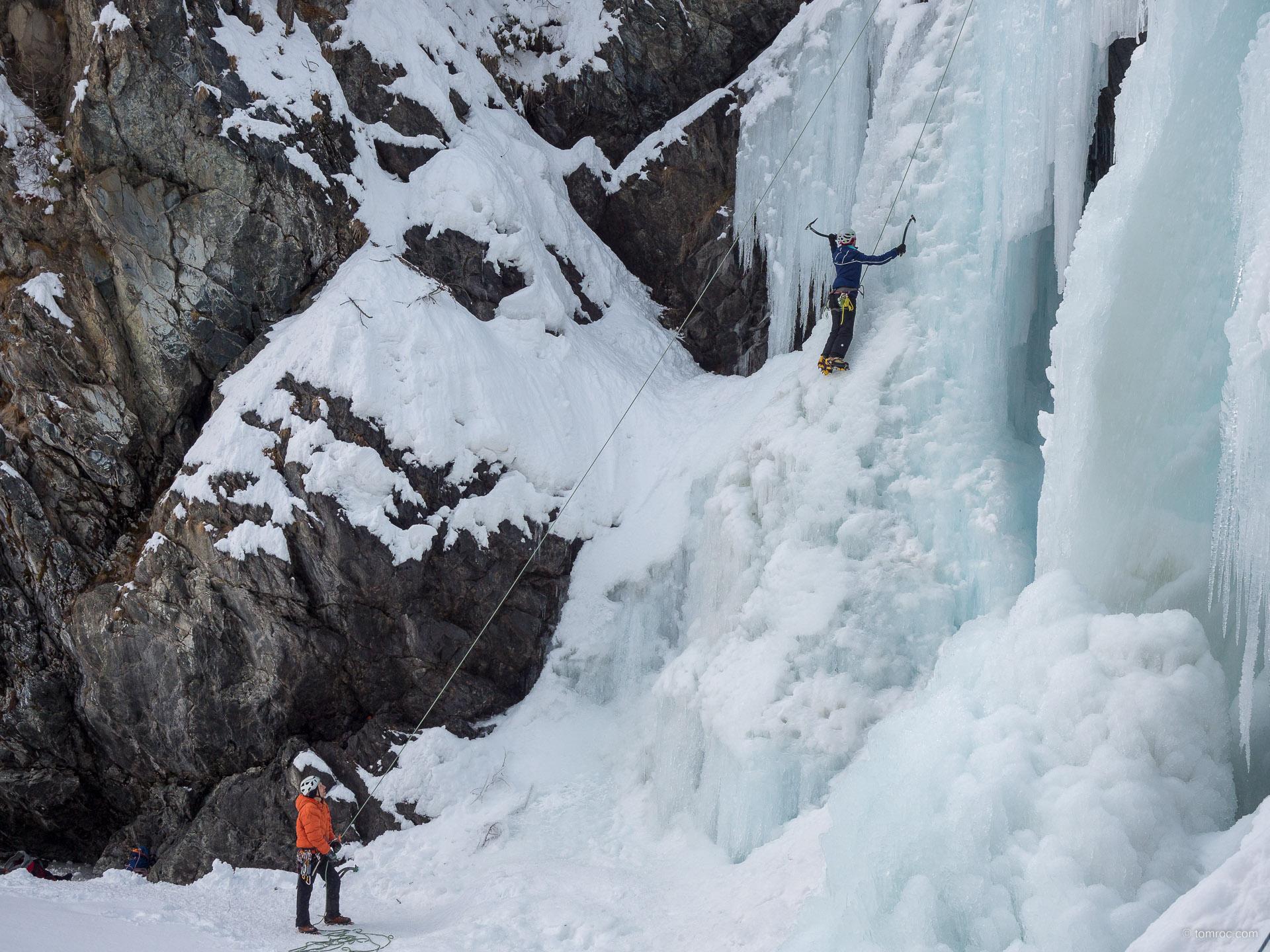 Initiation cascade de glace à Cogne
