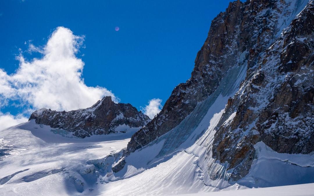 Traversée de la Tour Ronde et bivouac puis ski