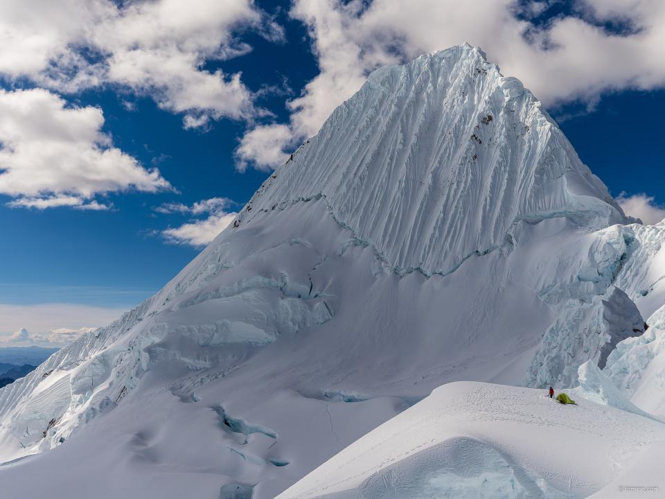Alpamayo (5947m)